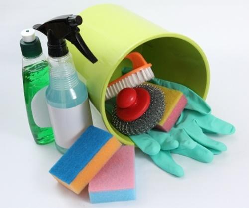 トイレ掃除に使う洗剤やブラシと金運や運気の関係は?