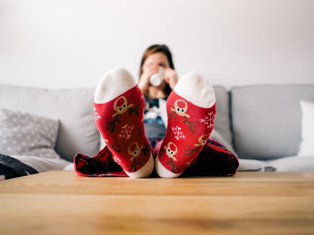 寝る時に靴下を履くと冷え症対策になるの?