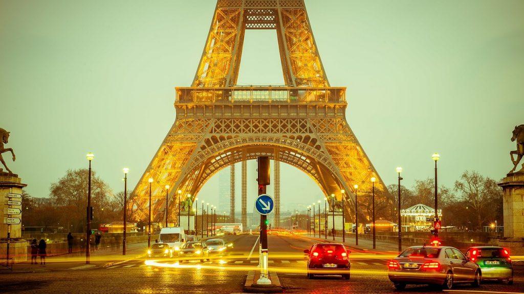 観光の際に便利なものとフランスの治安について