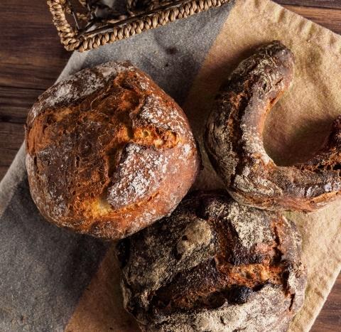パンの原料から太る可能性のあるものをチェック!