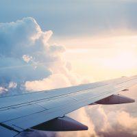 飛行機でのエコノミー症候群対策は足置きグッズで予防しよう!