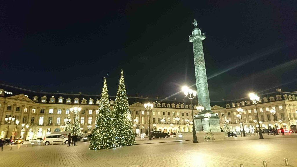 フランスパリ クリスマスマーケットヴァンドーム広場