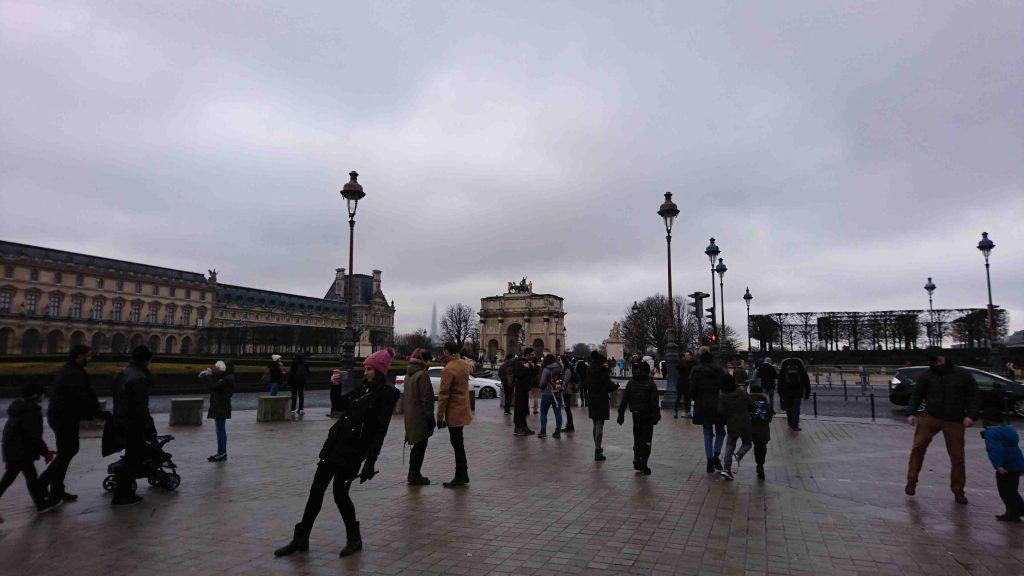 冬のフランス スカート