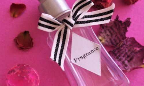 フランスで人気の香水メーカーは?おすすめメンズ香水はお土産に最適!