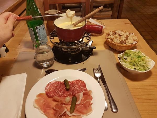 フランスの伝統料理や家庭料理を紹介