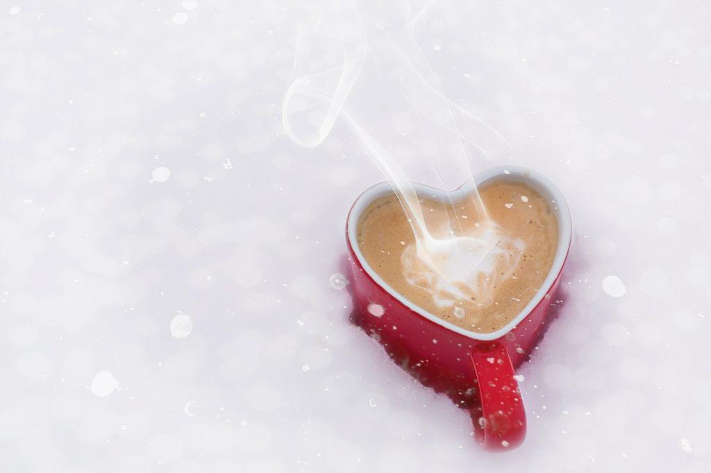 寒いと耳の中が痛かったり頭痛がする原因は?アイスクリーム頭痛と同じ?