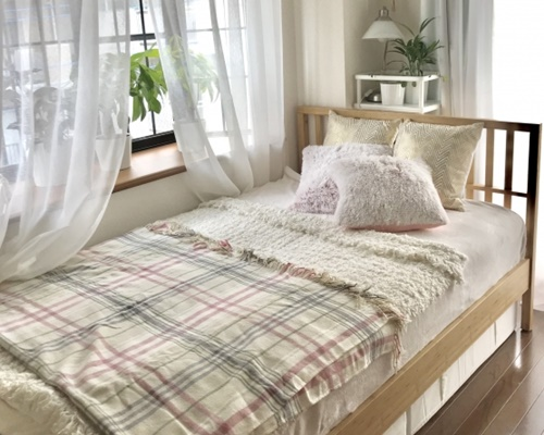 西枕で寝るとよくない?老けるのが早くなる?風水の意味や効果とは?
