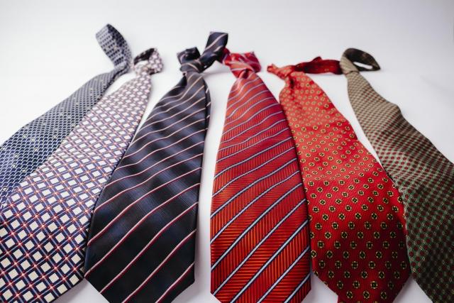 ネクタイに夏用冬用ってある?ネクタイの素材で使い分ける
