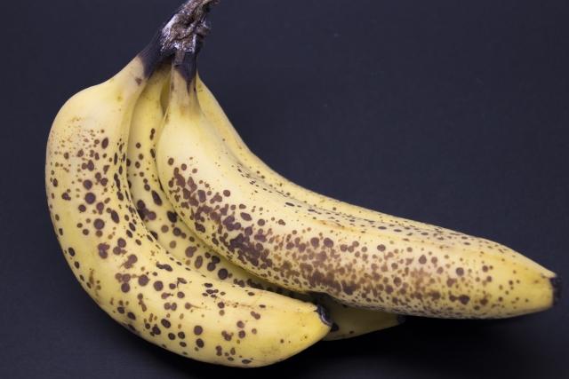 バナナが黒くなる理由と腐ってるかどうかの見分け方!