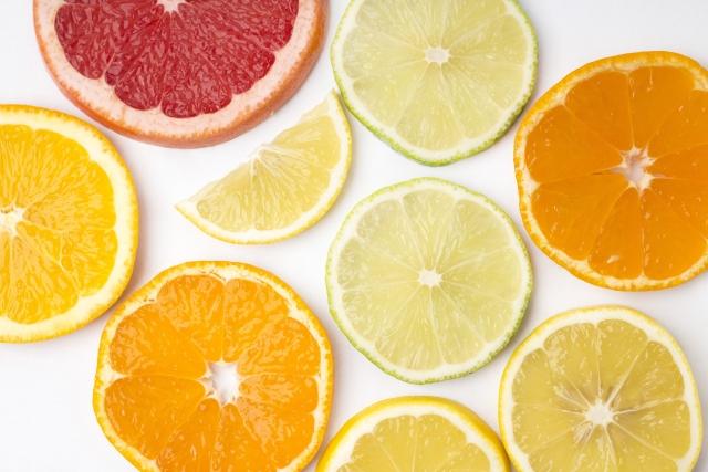 オレンジジュースだけではない!柑橘類と日焼けの関係!